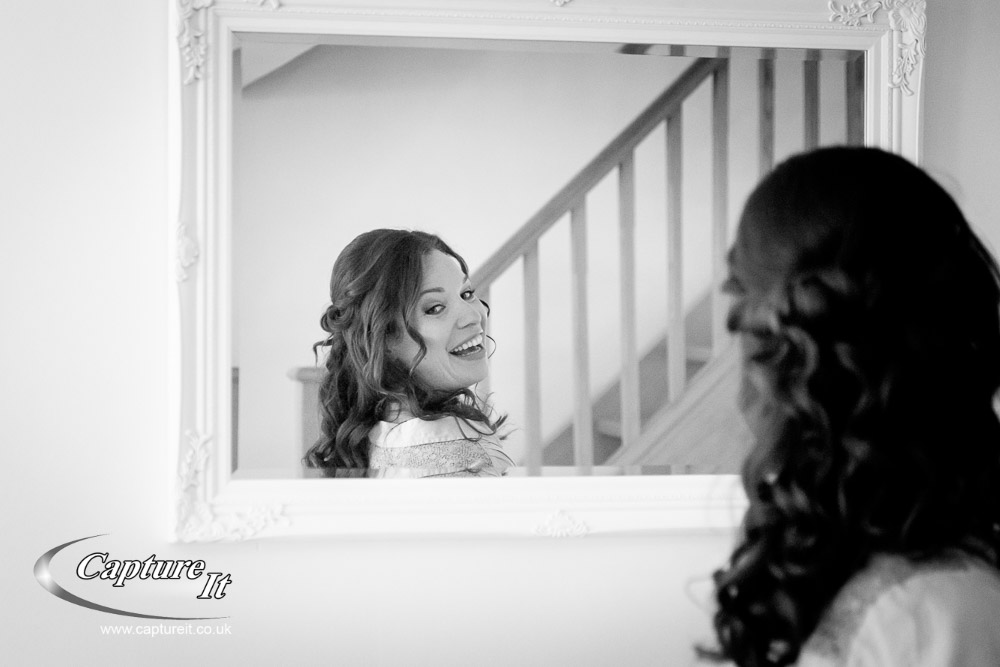 grittenham-barn-wedding-photography-lga1-01