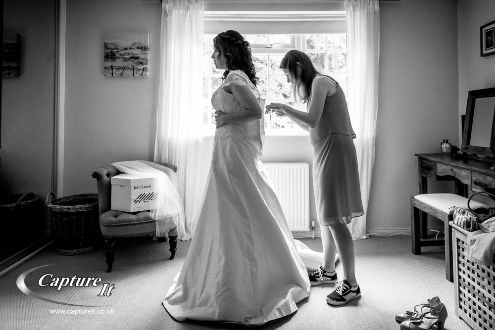 grittenham-barn-wedding-photography-lga1-03
