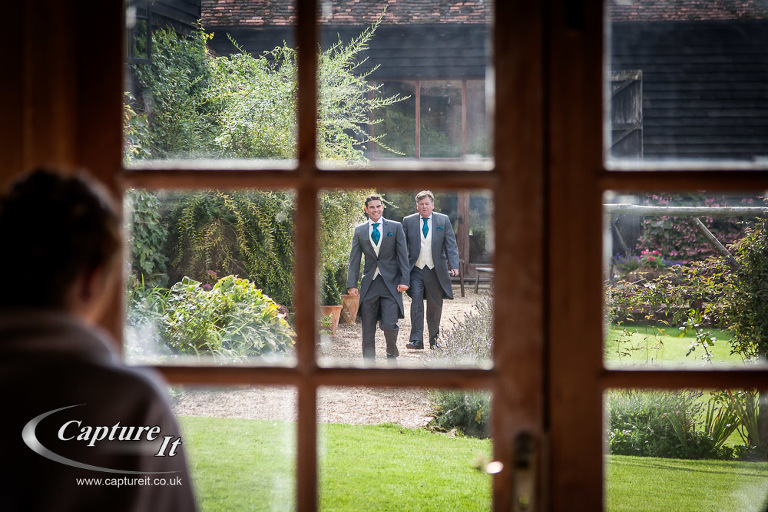 gate-street-barn-wedding-photography-nlf1-04