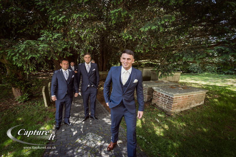 bury-court-barn-wedding-photography-jvb1-05