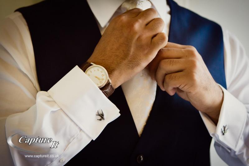grooms cufflinks and tie