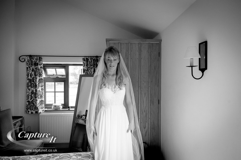 gate-street-barn-wedding-photography-jlp1-05