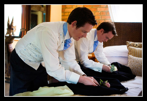 groom and best man get ready